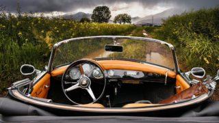 車と景色の画像